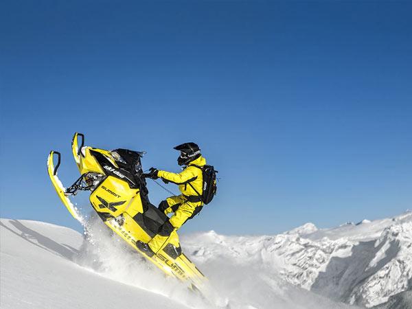 Ski-Doo Motorschlitten